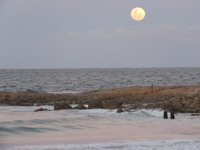 Full moon over Plettenberg bay